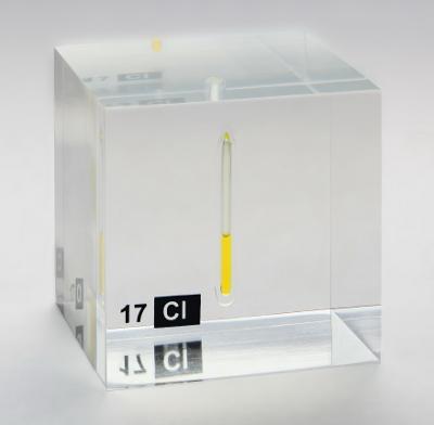 Chlorine_liquid_in_an_ampoule